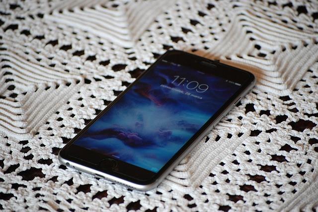 【iOS9.3.1】iPhone6s/6s Plusで不具合か|ロック画面から連絡帳/写真にアクセスができる模様