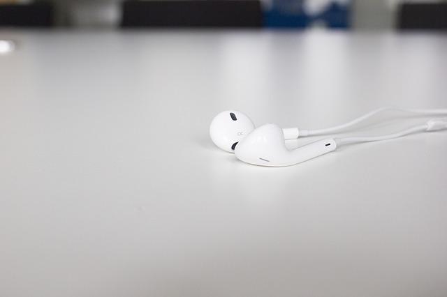 iPhone7で充電しながらイヤホンで音楽を楽しむ方法