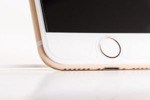 iPhoneのホームボタンを画面に出す方法 | ボタンが動かない/反応しない時に使おう!