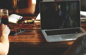 MacBook Proのバッテリー交換を自分でやってみた | 料金も安いし早いぞ!