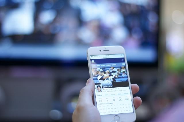 iPhone/iPadをHDMIケーブルを使用してテレビ接続する方法!